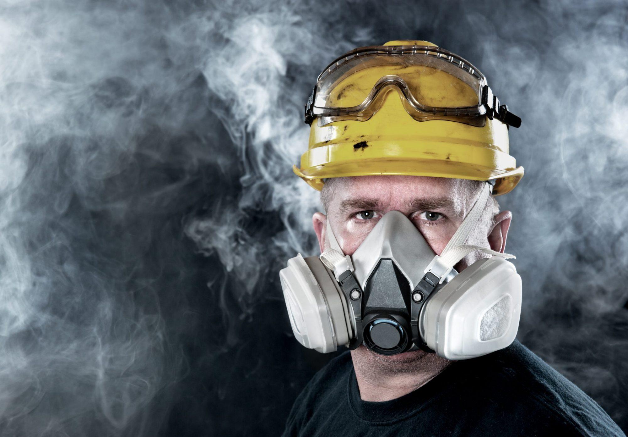 Protection respiratoire, les respirateurs réutilisables munis d'éléments filtrants interchangeables.